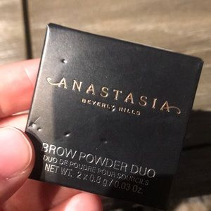 Anastasia Beverly Hills brow powder